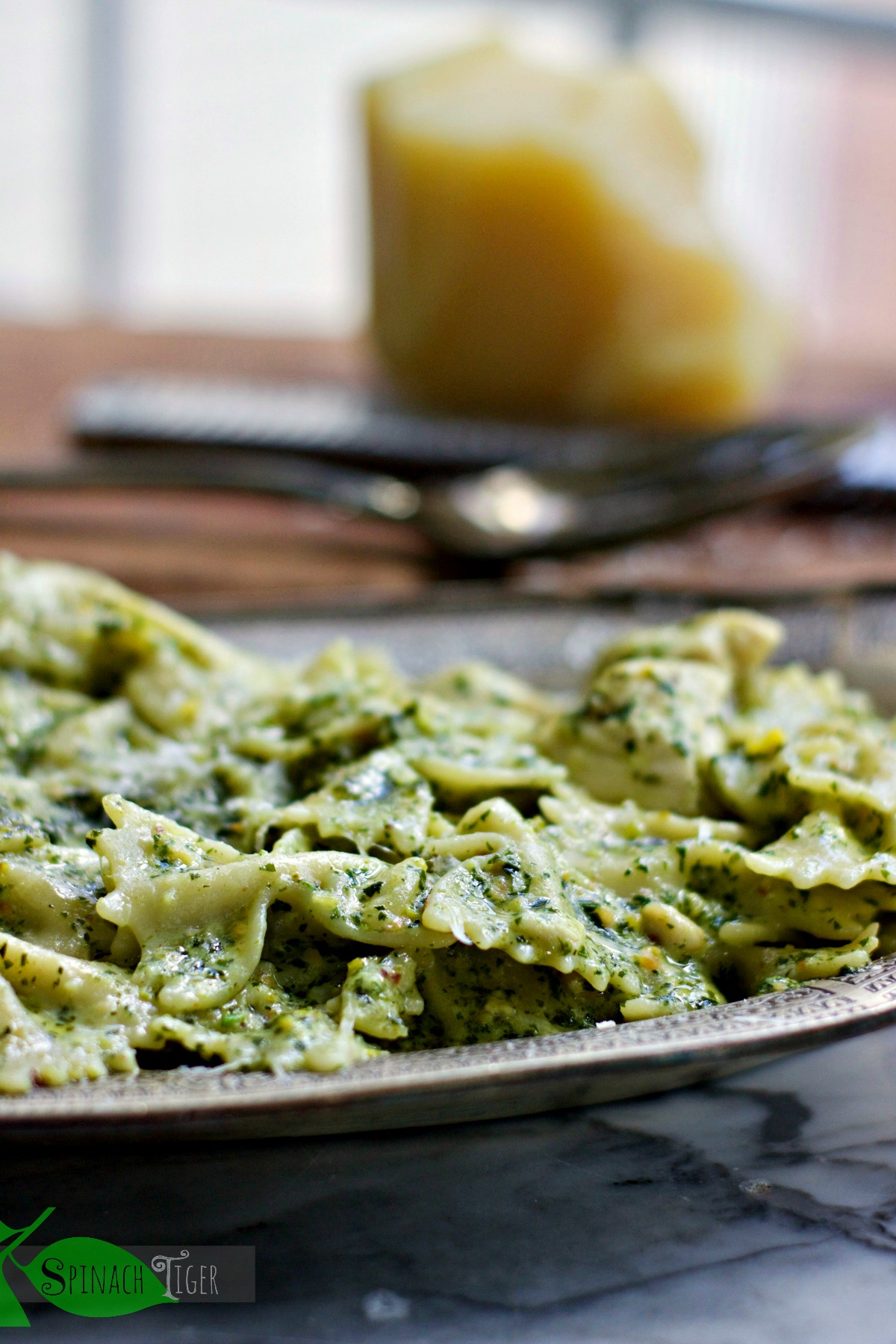 How to Make Italian Chicken Pasta Recipe with Pesto from Spinach Tiger