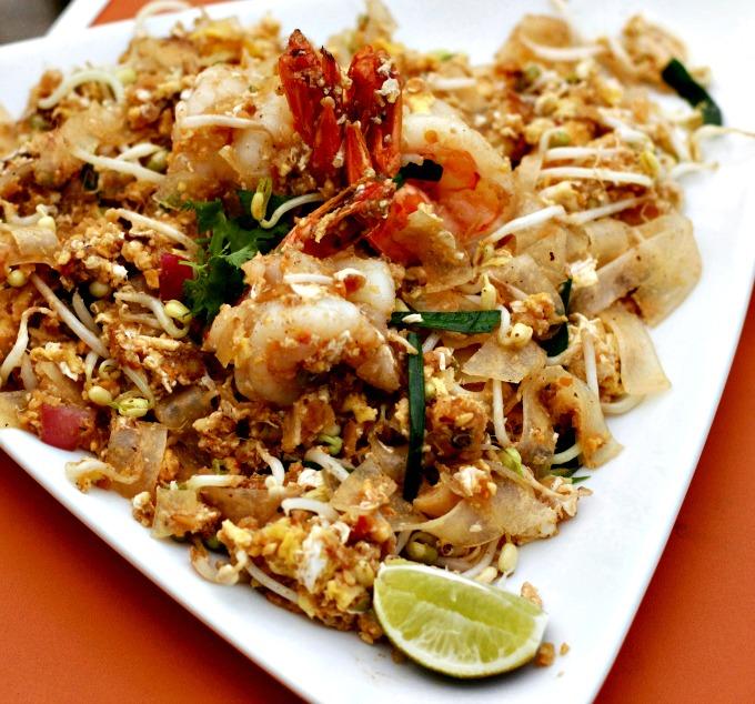 Nashville Restaurants: Smiling Elephant Pad Thai