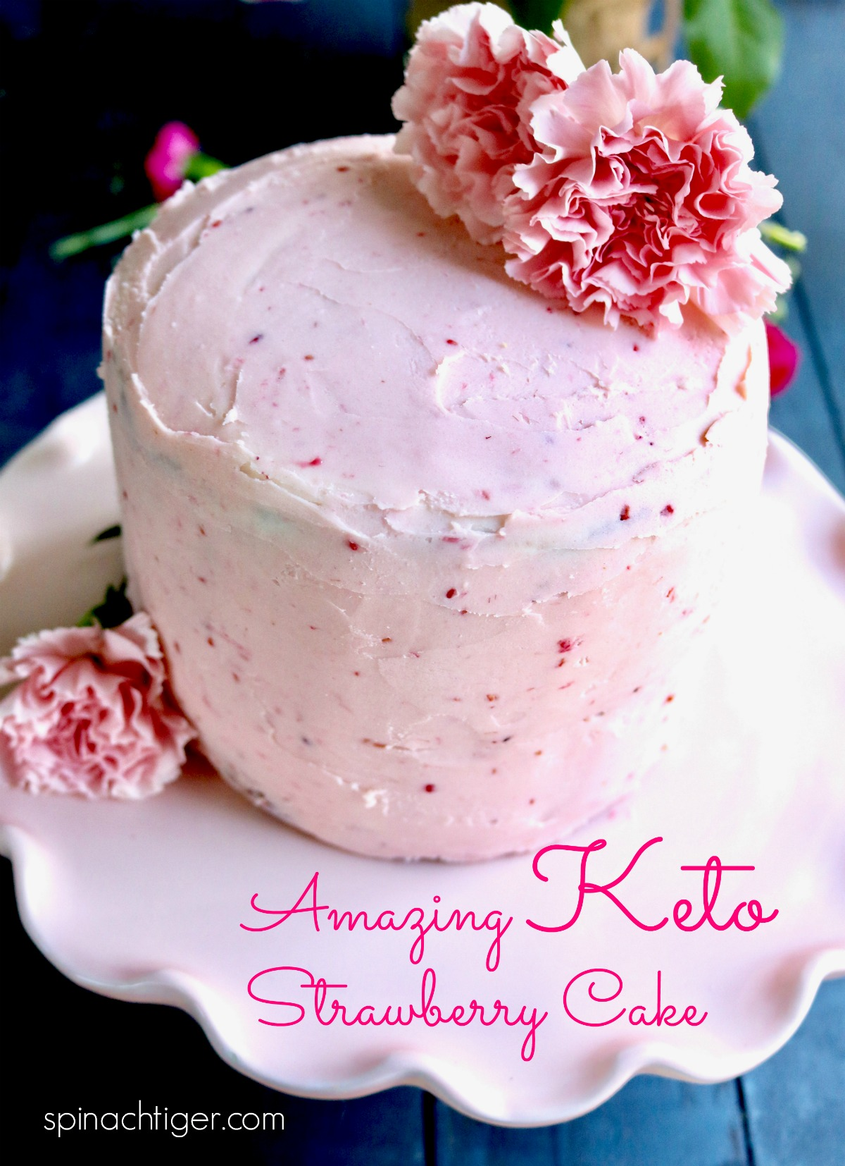 World's best Keto Strawberry cake, cupcakes or layer cake with strawberry cream cheese frosting. #ketostrawberrycupcakes #ketostrawberrycake #ketocreamcheesefrosting via @angelaroberts