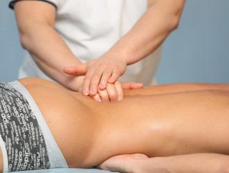 Массаж можно применять только при отсутствии острых и сильных болей в спине