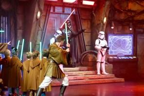"""Darth Vader in der """"Jedi Academy"""" im Disneyland Paris"""