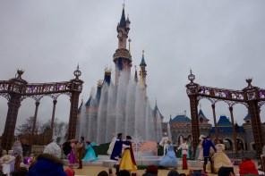 """Die Show """"Princess Promenade"""" zur Weihnachtssaison 2015 im Disneyland Paris"""