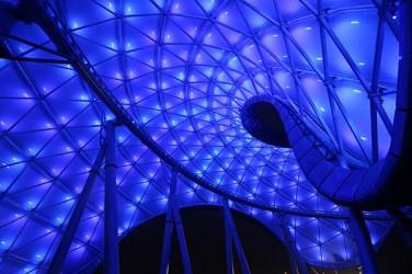 """Die Attraktion """"Tron Lightcycle Power Run"""" in Shanghai Disneyland"""