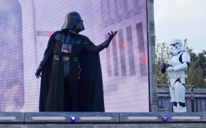 disneyland-paris-season-of-the-force-star-wars-darth-vader