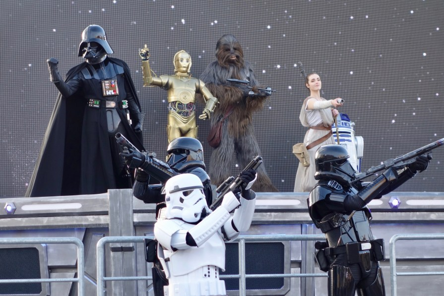 disneyland-paris-season-of-the-force-star-wars-show-rey