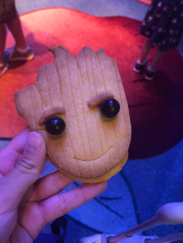 disneyland-paris-marvel-sommer-groot-shortbread-keks