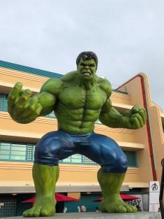 disneyland-paris-marvel-sommer-hulk