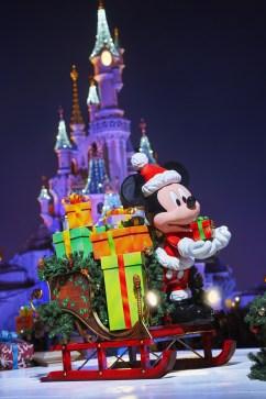 weihnachten-disneyland-paris-schloss