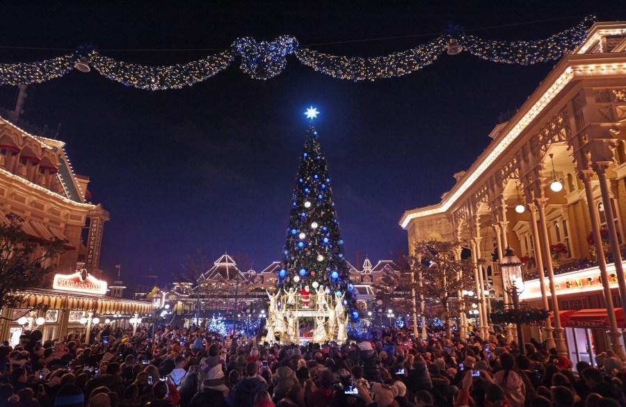 weihnachten-disneyland-paris-weihnachtsbaum
