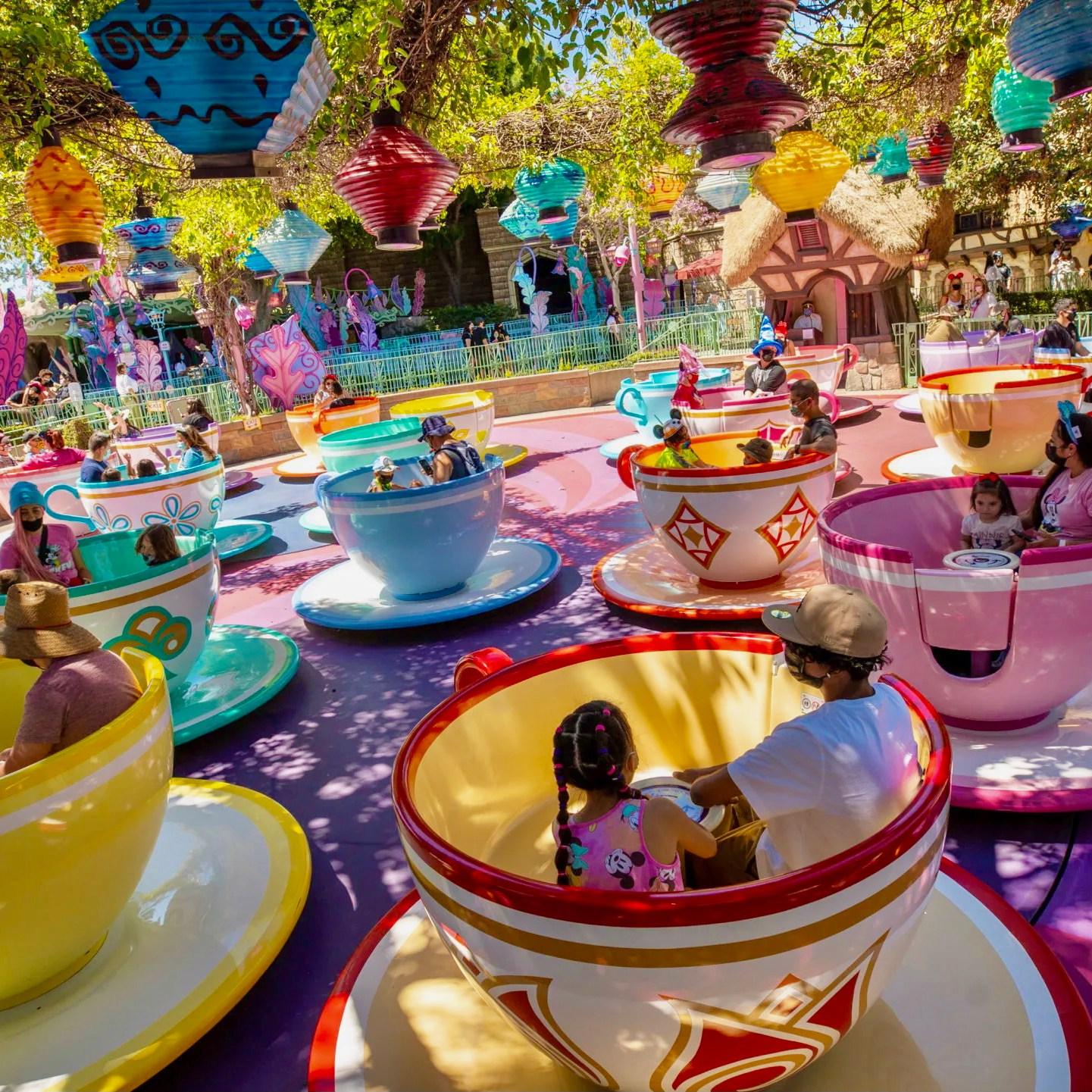Disneyland Kalifornien Tipps und Tricks - Alice im Wunderland Teetassen