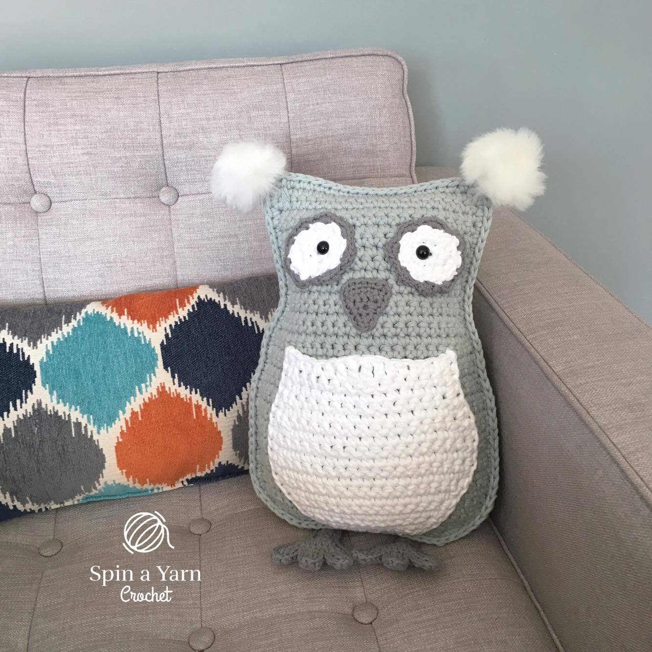 Amigurumi Pattern Free Owl : Owl throw pillow plushie free crochet pattern u spin a yarn crochet