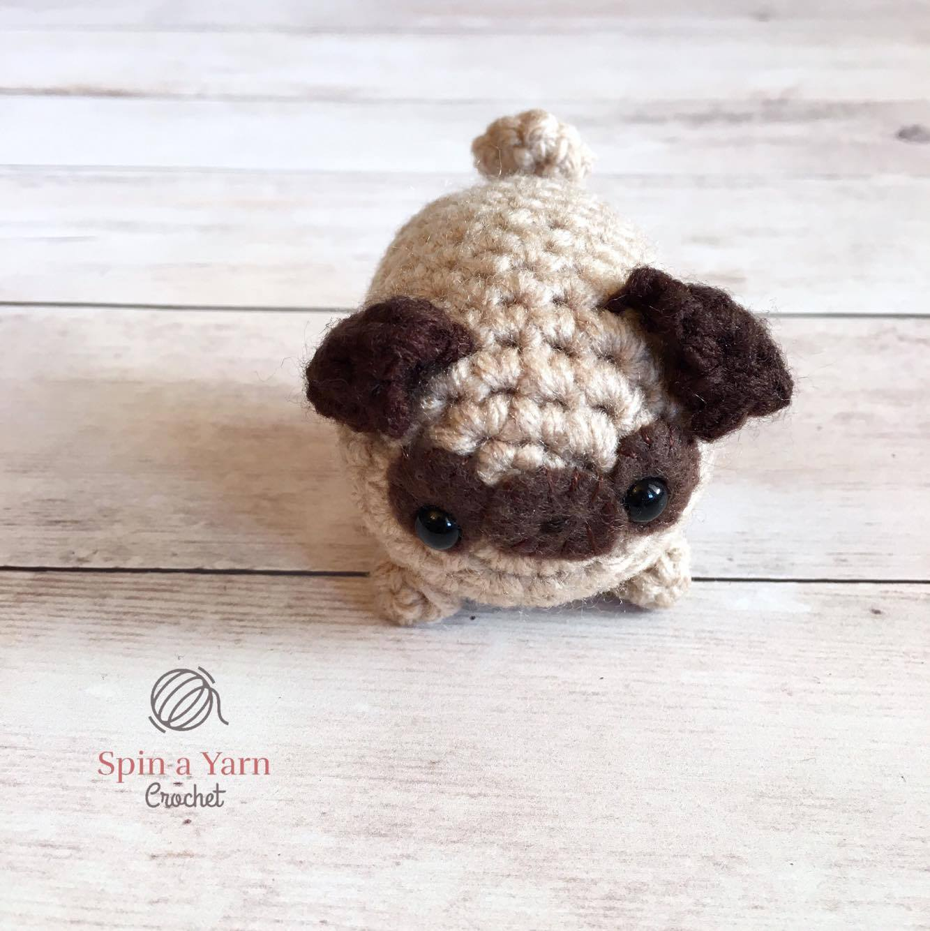 Hiro the Pug Amigurumi Crochet Pattern - English, Dutch, German | 1334x1333
