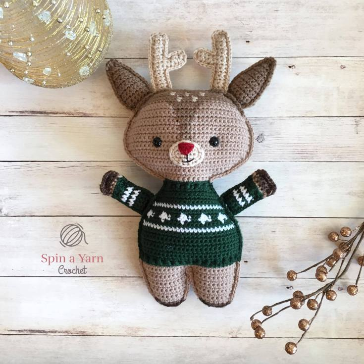 Holiday Deer Free Crochet Pattern (Part 2!)