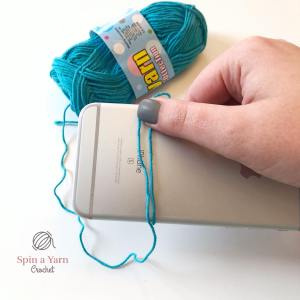 Wrapping yarn around iPhone
