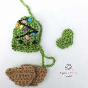 Crochet cactus pieces for assembly