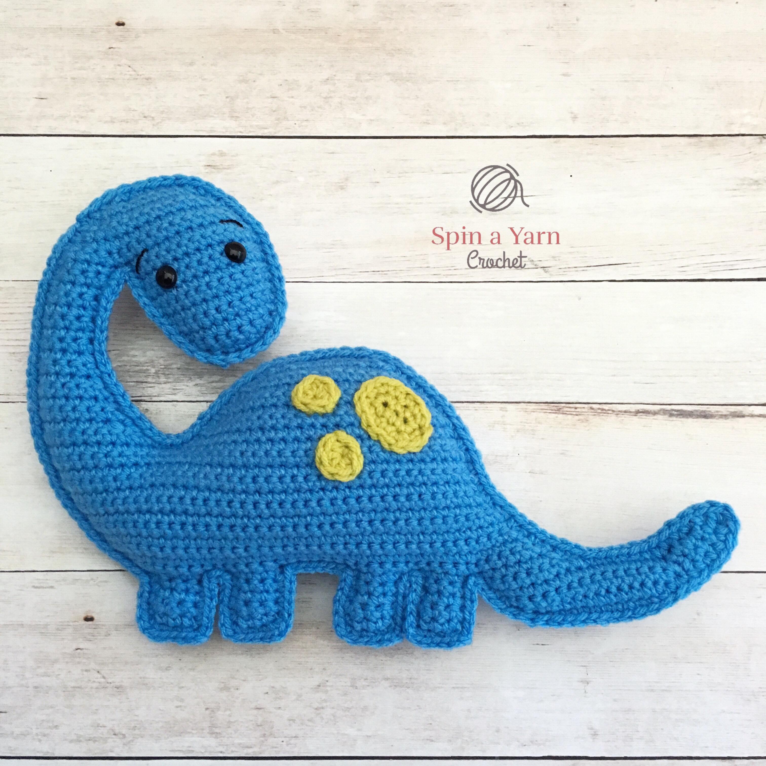 crochet dinosaur miniature stuffed toy, amigurumi brontosaurus toy ... | 3024x3024