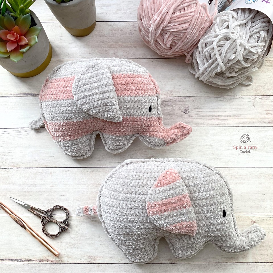 Free pattern - Elephant Snuggle - Dendennis | Crochet | Knit | Craft | 960x960