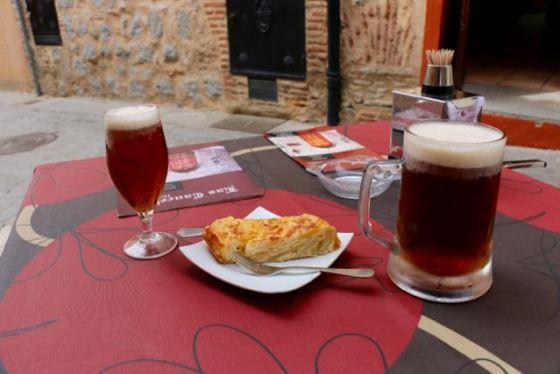 tortilla española with local beer in Ávila