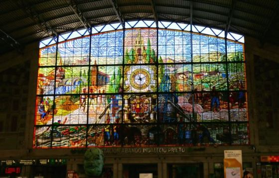 the stained glass window that welcomed us at Bilbão-Abando train station