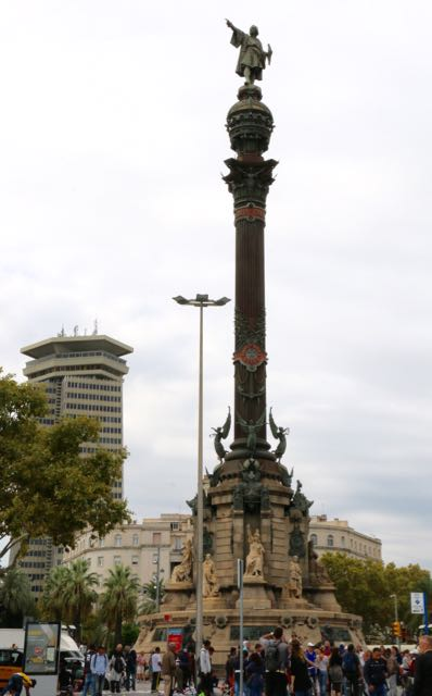 the monument to Columbus