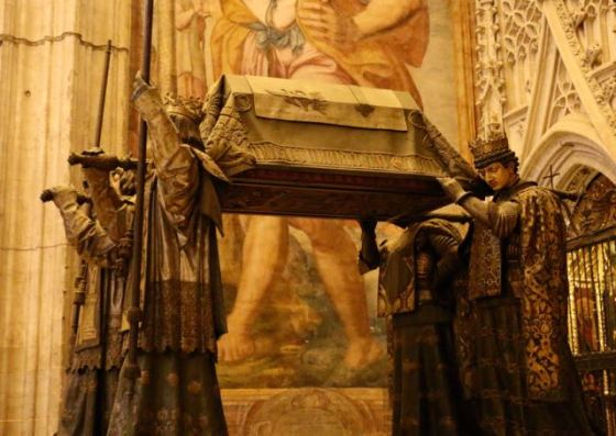 Columbus's remains in Sevilla's cathedral