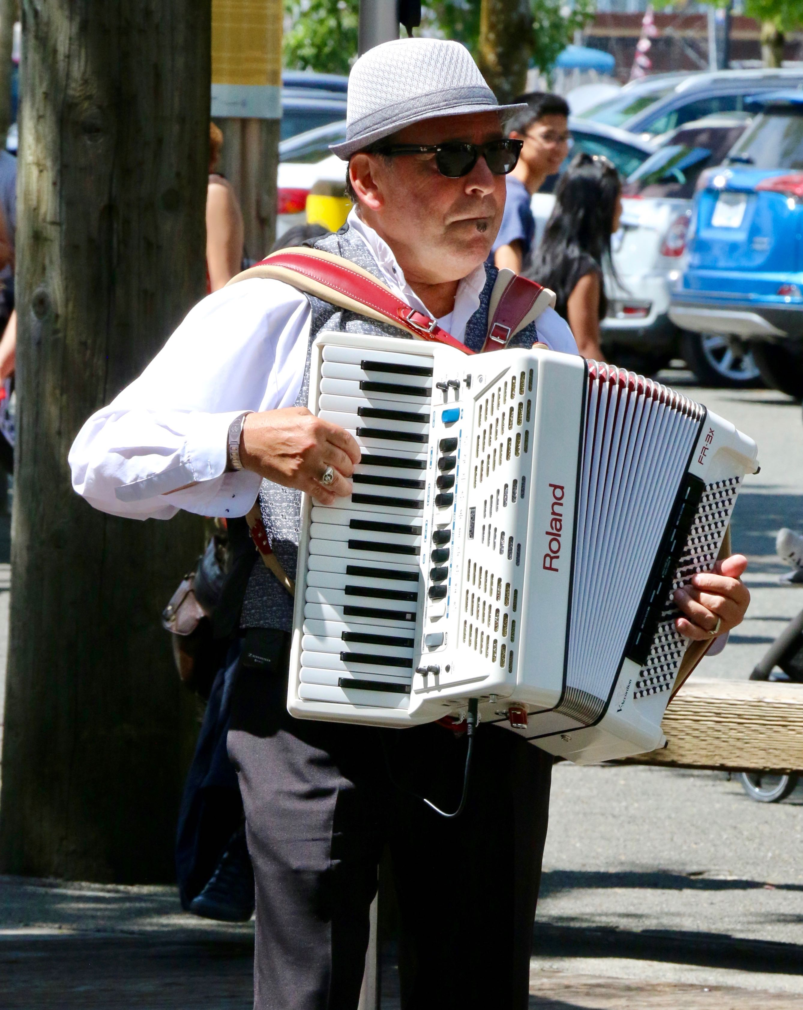 one of the many buskers on the island