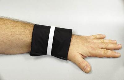 Wrist wrap with aerogel