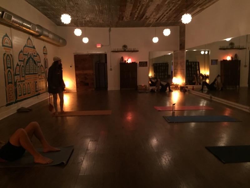 Practice Yoga spinsyddy