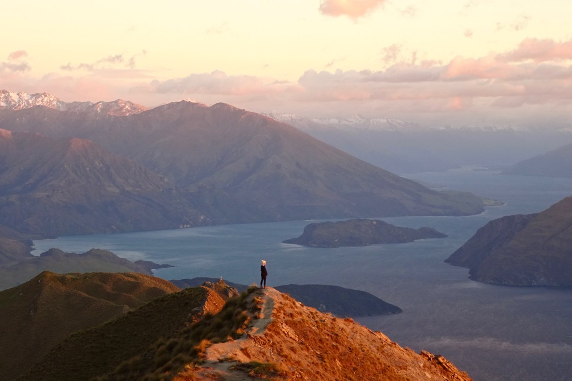 Mount Roy, Wanaka, New Zealand - spinthewindrose.com
