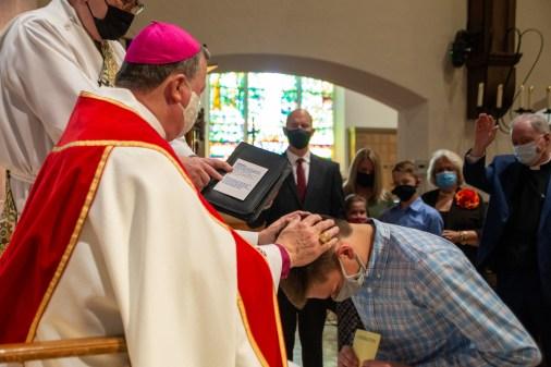 A candidate from Christ Episcopal Church, St. Joseph. Area Confirmations, St. Andrew's Episcopal Church, Kansas City. Image credit: Mary Ann Teschan
