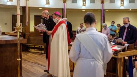 Fr. Ross Stuckey, Dedication of the Resurrected Jesus Cross. Re-Dedication and Consecration of St. James Episcopal Church, Springfield, Missouri. Image credit: Gary Allman