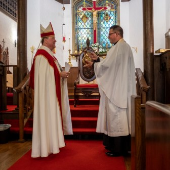 Presentation of water. The Installation of the Rev. Isaac Petty as Priest in Charge at St. Luke's Episcopal Church, Excelsior Springs, Missouri. Image credit: Gary Allman