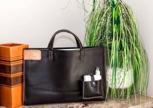 Kayper_custom_leather_laptop_bag