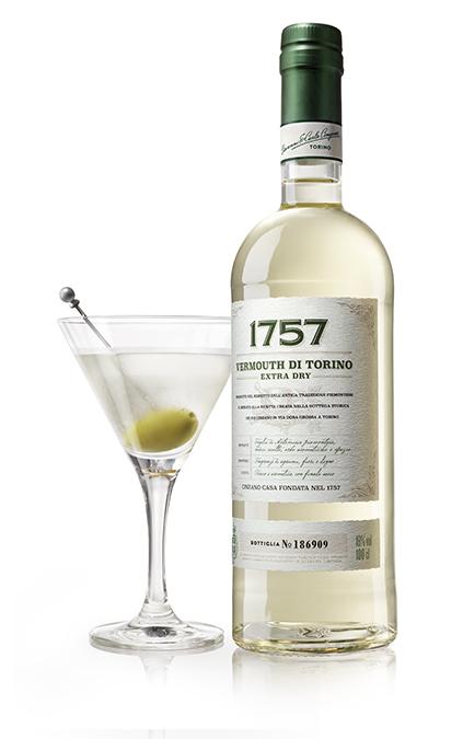 Fall Cocktails 1757_ExtraDry_Bottiglia con Cocktail_HR - Copy