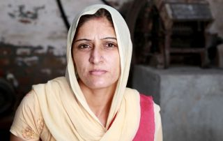 threatened-with-prison-for-sharing-faith-indian-women.jpg