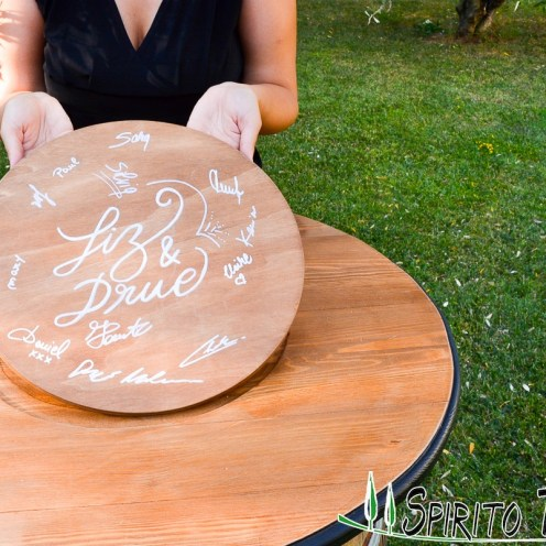 Frame Guest Book in Tuscany