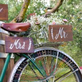 shabby Wedding Signs in Tuscany
