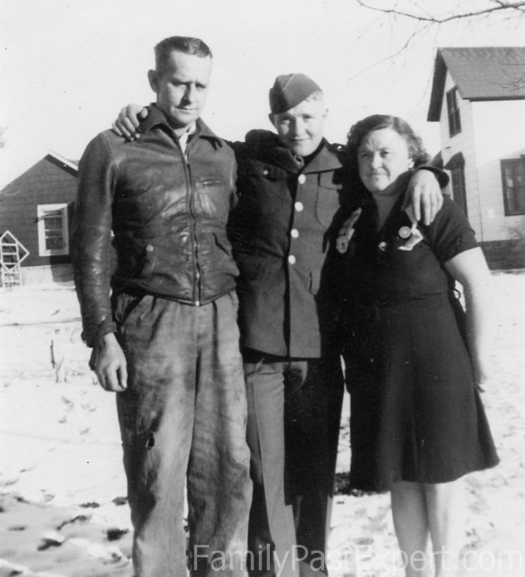 Tom, Duane, and Lona, 1944.