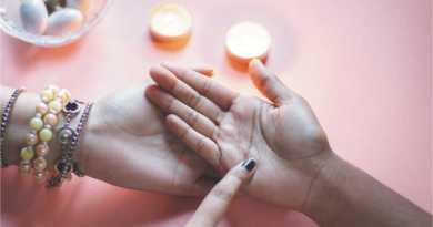 trident symbol palmistry