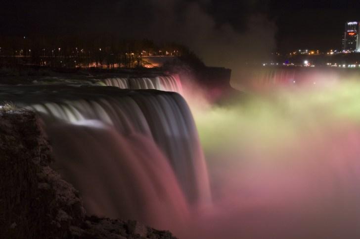 ナイアガラの滝・ライトアップ