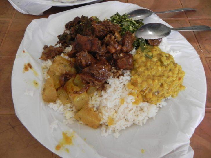 スリランカで初の食事
