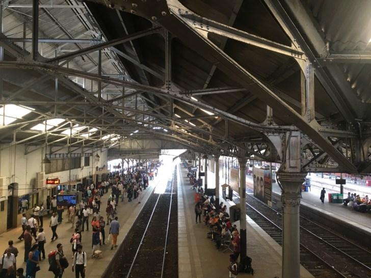 コロンボフォート駅のプラットフォーム