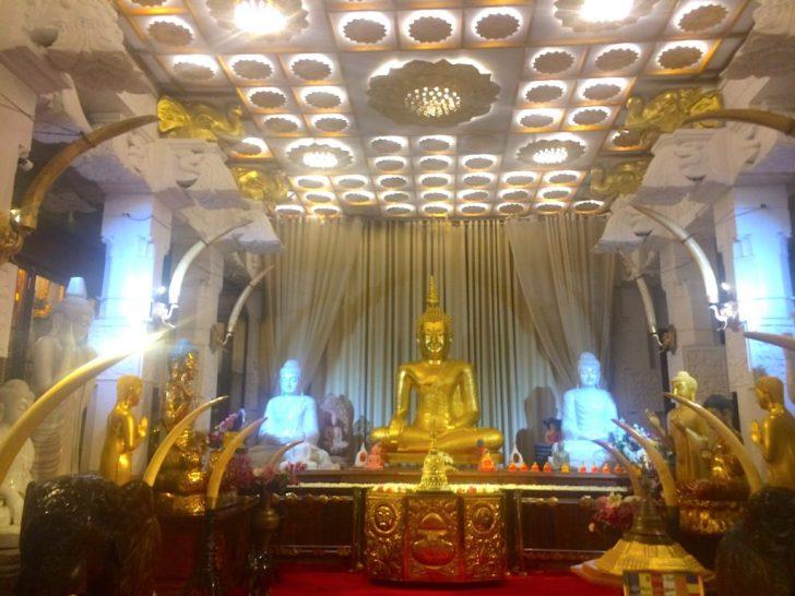 黄金の仏像と象牙