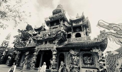 Lihn phoc temple