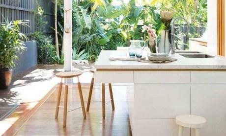 Οι ημιυπαίθριοι χώροι είναι ιδανικοί για τη δημιουργία κουζίνας