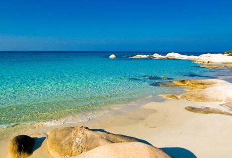 Εδώ θα βρείτε όλα όσα αναζητάτε στις καλοκαιρινές σας διακοπές. Επίσης το χωριό έχει μερικές από τις πιο όμορφες παραλίες όλης της Χαλκιδικής.