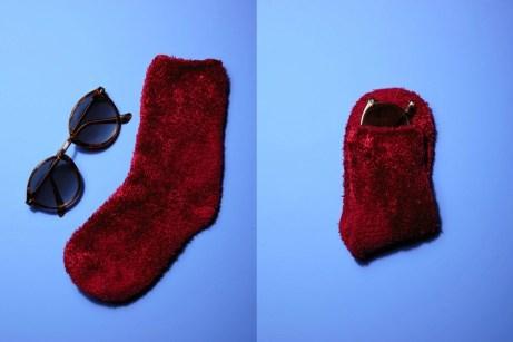 Προφυλάξτε τα γυαλιά σας για να μην σπάσουν τυλίγοντάς τα σε μια κάλτσα.
