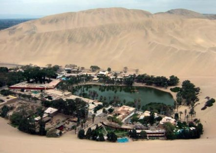 Oasis Huacachina- Paracas  Perou