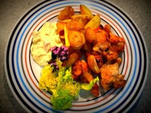 Kylling med ovnkartofler og hjemmerørt remo