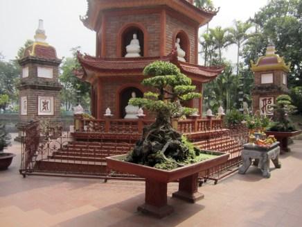 Trấn Quốc Pagoda